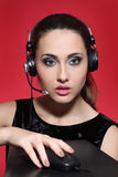 Κορίτσι στα ακουστικά Στοκ εικόνα με δικαίωμα ελεύθερης χρήσης