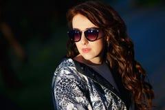 Κορίτσι στα γυαλιά ηλίου στοκ φωτογραφίες με δικαίωμα ελεύθερης χρήσης