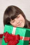 Κορίτσι στα Χριστούγεννα με τα κιβώτια δώρων Στοκ εικόνες με δικαίωμα ελεύθερης χρήσης