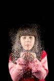 Κορίτσι στα Χριστούγεννα με το χιόνι Στοκ Εικόνα