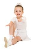 Κορίτσι στην άσπρη εσθήτα σφαιρών Στοκ εικόνα με δικαίωμα ελεύθερης χρήσης
