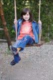 Κορίτσι στην ταλάντευση Στοκ φωτογραφία με δικαίωμα ελεύθερης χρήσης