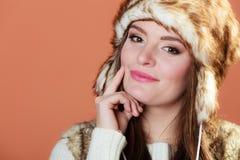 Κορίτσι στη γούνα ΚΑΠ Στοκ εικόνες με δικαίωμα ελεύθερης χρήσης