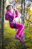 Κορίτσι στη γραμμή φερμουάρ Στοκ εικόνες με δικαίωμα ελεύθερης χρήσης
