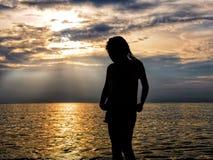 Κορίτσι στη θάλασσα στοκ φωτογραφίες