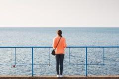 Κορίτσι στη θάλασσα Στοκ εικόνες με δικαίωμα ελεύθερης χρήσης