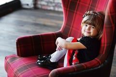 b4ae1a6dd769 Προκλητικό κορίτσι στην κόκκινη συνεδρίαση φορεμάτων σε μια ...
