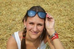 Κορίτσι στη φάτνη Στοκ φωτογραφία με δικαίωμα ελεύθερης χρήσης