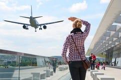 Κορίτσι στον αερολιμένα Στοκ Εικόνα
