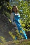 Κορίτσι στο εθνικό φόρεμα στο πάρκο Στοκ εικόνες με δικαίωμα ελεύθερης χρήσης