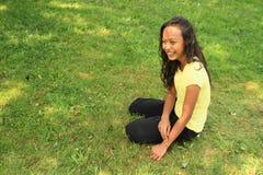 Κορίτσι στο λιβάδι Στοκ Φωτογραφίες