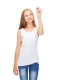 Κορίτσι στο κενό άσπρο σχέδιο πουκάμισων κάτι Στοκ φωτογραφία με δικαίωμα ελεύθερης χρήσης