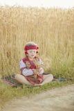 Κορίτσι στο ουκρανικό εθνικό κοστούμι Στοκ Φωτογραφία