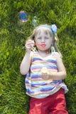 Κορίτσι στο πάρκο στοκ φωτογραφία
