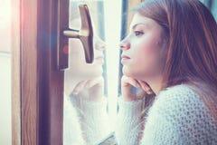 Κορίτσι στο παράθυρο Στοκ Εικόνα