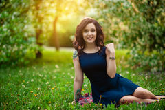 Κορίτσι στο φως του ήλιου Στοκ Φωτογραφίες
