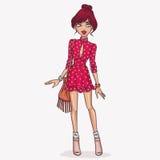 Κορίτσι στο όμορφο και ρομαντικό φόρεμα ελεύθερη απεικόνιση δικαιώματος