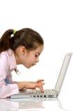 κορίτσι υπολογιστών στη & Στοκ Φωτογραφίες