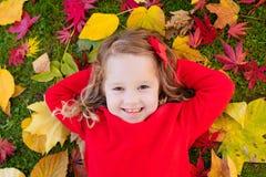 κορίτσι φθινοπώρου λίγο &pi Στοκ φωτογραφίες με δικαίωμα ελεύθερης χρήσης