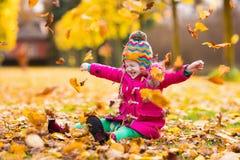 κορίτσι φθινοπώρου λίγο &pi Στοκ εικόνα με δικαίωμα ελεύθερης χρήσης