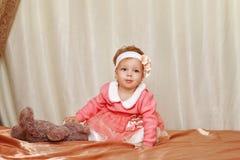 κορίτσι φορεμάτων λίγα στοκ εικόνα με δικαίωμα ελεύθερης χρήσης