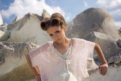 κορίτσι φορεμάτων κρέμας Στοκ Εικόνες
