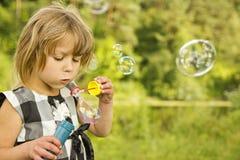 κορίτσι φυσαλίδων λίγο σ Στοκ εικόνα με δικαίωμα ελεύθερης χρήσης