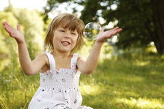 κορίτσι φυσαλίδων λίγο σ Στοκ φωτογραφία με δικαίωμα ελεύθερης χρήσης