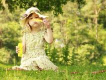 κορίτσι φυσαλίδων λίγο σ Στοκ Φωτογραφίες