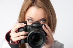 Κορίτσι-φωτογράφος στοκ φωτογραφία με δικαίωμα ελεύθερης χρήσης