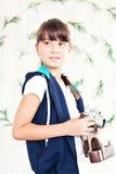 κορίτσι φωτογραφικών μηχανών λίγο παλαιό καλυμμένο στούντιο όμορφες νεολαίες γυναικών στούντιο ζευγών χορεύοντας καλυμμένες Στοκ εικόνες με δικαίωμα ελεύθερης χρήσης