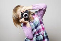 κορίτσι φωτογραφικών μηχανών λίγα Στοκ Εικόνες