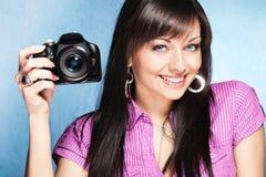 κορίτσι φωτογραφικών μηχανών Στοκ εικόνες με δικαίωμα ελεύθερης χρήσης