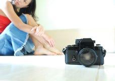 κορίτσι φωτογραφικών μηχανών Στοκ Φωτογραφία