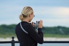 κορίτσι φωτογραφικών μηχ&alpha Στοκ Εικόνα
