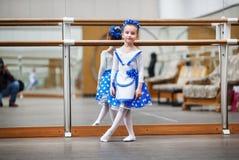 κορίτσι χορευτών λίγα Στοκ φωτογραφία με δικαίωμα ελεύθερης χρήσης
