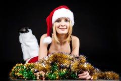 κορίτσι Χριστουγέννων πέρ&alph Στοκ φωτογραφίες με δικαίωμα ελεύθερης χρήσης
