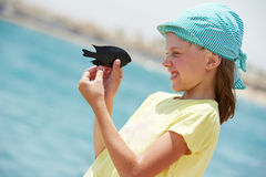κορίτσι ψαριών λίγο παιχνίδ Στοκ εικόνες με δικαίωμα ελεύθερης χρήσης