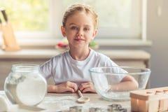 κορίτσι ψησίματος λίγα Στοκ φωτογραφία με δικαίωμα ελεύθερης χρήσης