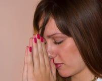 κορίτσι 2 που προσεύχεται αρκετά Στοκ Εικόνες