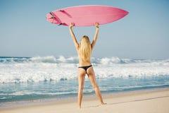 Κορίτσι Blode surfer στοκ εικόνες