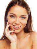Κορίτσι Brunette με το όμορφο χαμόγελο Στοκ φωτογραφία με δικαίωμα ελεύθερης χρήσης