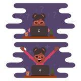 Κορίτσι freelancer που εργάζεται σε έναν υπολογιστή Σχέδιο επίπεδο ελεύθερη απεικόνιση δικαιώματος