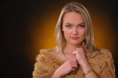 Κορίτσι poncho Στοκ εικόνες με δικαίωμα ελεύθερης χρήσης