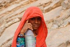 κορίτσι Rajasthan ξηρασίας μπουκ& Στοκ Εικόνες