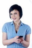 κορίτσι sms που γράφει Στοκ φωτογραφία με δικαίωμα ελεύθερης χρήσης