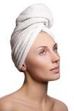 Κορίτσι SPA ανασκόπησης λουτρών όμορφες σωμάτων νεολαίες λευκών γυναικών προσοχής απομονωμένες έννοια skincare τέλειο δέρμα Στοκ Εικόνες