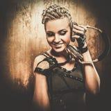 Κορίτσι Steampunk με τα ακουστικά Στοκ εικόνες με δικαίωμα ελεύθερης χρήσης