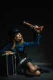 Κορίτσι Steampunk που οπλίζεται και επικίνδυνο Στοκ Εικόνες