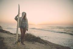 Κορίτσι Surfer Στοκ Φωτογραφία